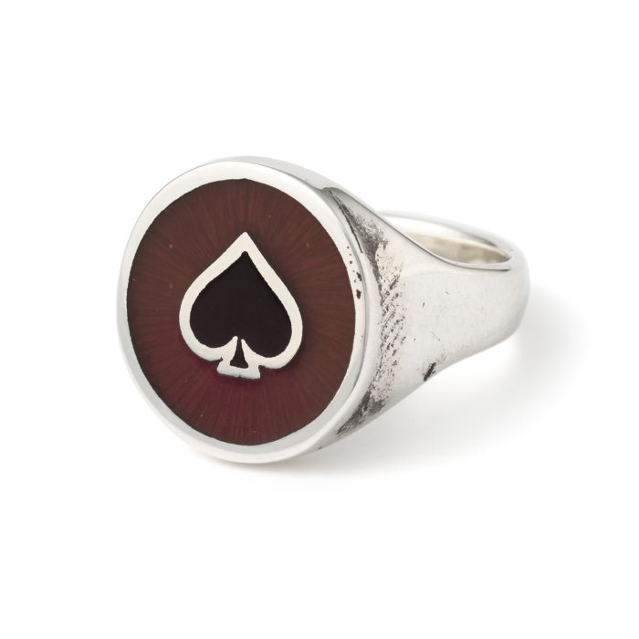 round-ace-with-enamel-ring-angled